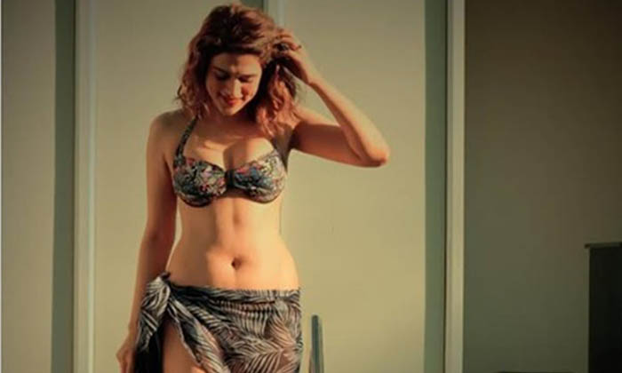Shraddha Das Is Just Irresistible In Bikini-Latest News English-Telugu Tollywood Photo Image