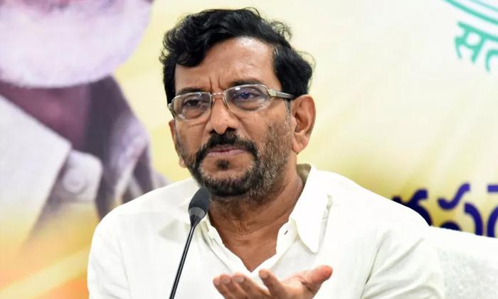 కేసీఆర్లా జగన్ కూడా పట్టువిడుపు ప్రదర్శించాలి-Political-Telugu Tollywood Photo Image