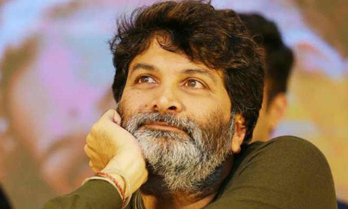 చిన్న సినిమాకి కథ అందిస్తున్న మాటల మాంత్రికుడు-Movie-Telugu Tollywood Photo Image