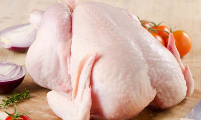 Telugu 1 Kg Chicken Only 25rs Only, Checken For 25 Rs, Chicken Only 25 Rupees, Chicken Shop, Chicken Shop Owner Selling 1 Kg Chicken Only 25 Rupees In Telangana, Corona Virus Affect News, Hyderabad Chicken Price Latest News News, Hyderabad Chicken Price News, Hyderabad News-Latest News