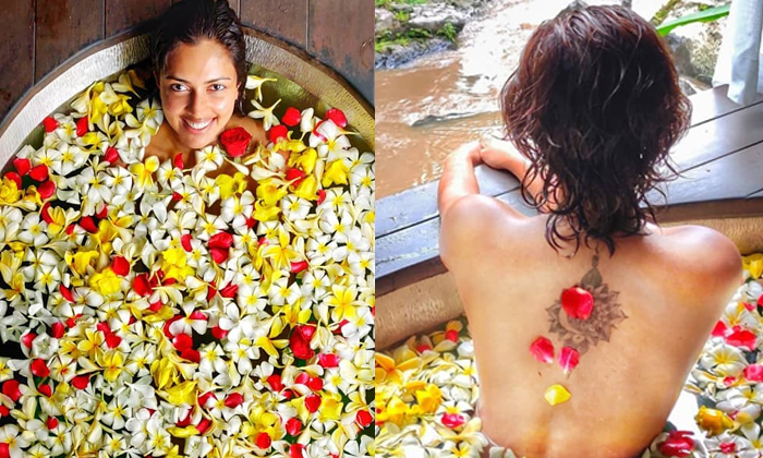 Telugu Allu Arjun, Amala Paul Bathtub Photo, Amala Paul Without Makeup Photos, Heroine Amala Paul, Nayak Movie, Ram Charan-Movie