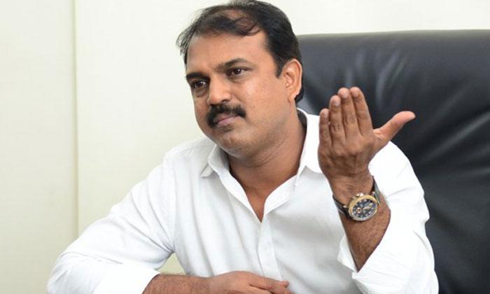 నిర్మాతగా మారుతున్న మరో స్టార్ దర్శకుడు-Movie-Telugu Tollywood Photo Image