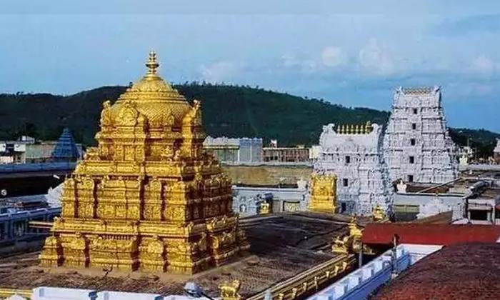 వైరల్ : తిరుమలలో ఎప్పుడు ఇదే పద్దతి ఉంటే ఎంత బాగుంటుందో కదా-Breaking/Featured News Slide-Telugu Tollywood Photo Image
