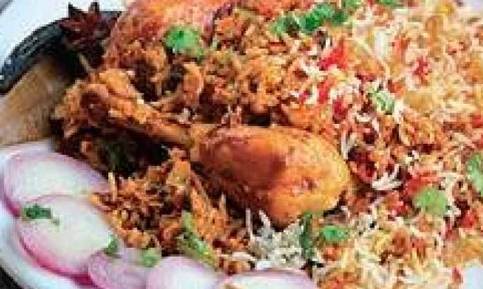 One Chicken Biryani Packet Only One Rupee In Tamil Nadu