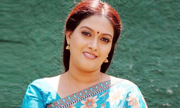 పరుచూరి : చీర విషయంలోజాగ్రత్తగా ఉండే ఆ హీరోయిన్ ఇలాంటి పనులు చేస్తుందనుకోలేదు-Latest News-Telugu Tollywood Photo Image