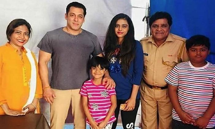 Telugu Ali Daughter Debut To The Movie Industry, Ali Daughter Javeriya News, Tollywood Comedian Ali, Tollywood Comedian Ali Daughter News, Tollywood Comedian Ali News-Movie