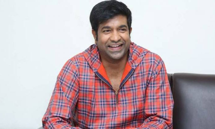 Vennela Kishore House Cleaning Video Goes Viral - Telugu Tollywood Comedian