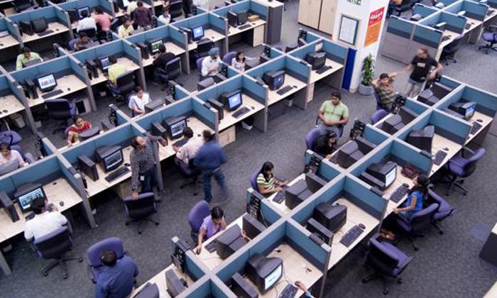 వీసా గడువు పెంచండి: వైట్ హౌస్కు పోటెత్తనున్న లక్షలాది పిటిషన్లు-Telugu NRI-Telugu Tollywood Photo Image