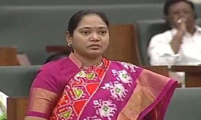 హోంమంత్రి హోమ్ కే పరిమితమా అదే సీన్ రిపీట్ అవుతోందిగా -Latest News-Telugu Tollywood Photo Image