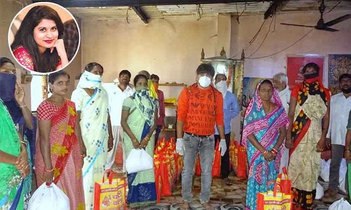 పెద్ద మనసు: ఢిల్లీలో 100 తెలుగు కుటుంబాలకు నిత్యావసరాలు అందించిన ఎన్ఆర్ఐ-Telugu NRI-Telugu Tollywood Photo Image