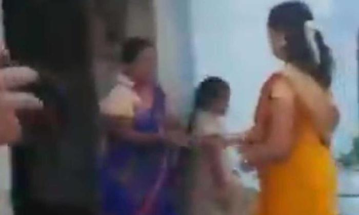 కరోనా సాయంను రాజకీయం చేస్తున్న వైకాపా-Political-Telugu Tollywood Photo Image