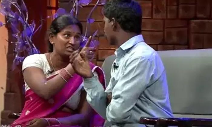వరుసకు చెల్లెలు అయ్యే యువతికి తాళి కట్టమంటున్న రోజా….-Latest News-Telugu Tollywood Photo Image