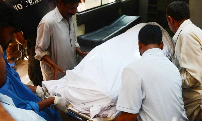 శవంగా మారిన వ్యక్తి.. ఎందుకో తెలిస్తే నోరెళ్లబెట్టడం ఖాయం-General-Telugu-Telugu Tollywood Photo Image