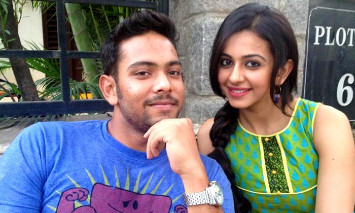 అతడి వల్లే ఒంటరిగా మిగిలిపోయా: రకుల్-Gossips-Telugu Tollywood Photo Image