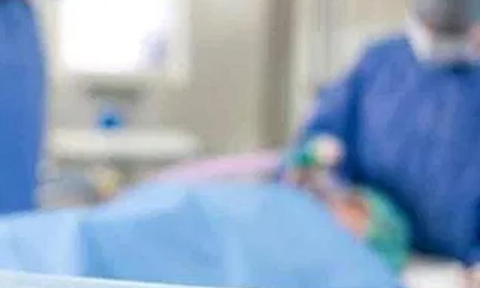 మద్యం దొరక్క కోమాలోకి వెళ్లిన మహిళ…-Latest News-Telugu Tollywood Photo Image
