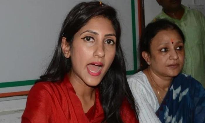 చెత్త బస్సులు అంటూ సొంత పార్టీ పైనే తీవ్ర స్థాయిలో ధ్వజమెత్తిన ఎమ్మెల్యే-Breaking/Featured News Slide-Telugu Tollywood Photo Image