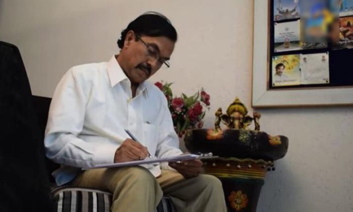 సుద్దాల అశోక్తేజ్కు లివర్ డొనేట్ చేసిన కొడుకు.. సర్జరీ సక్సెస్-General-Telugu-Telugu Tollywood Photo Image