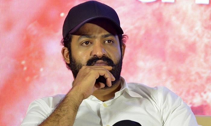 ఆ రోజు ఫ్యాన్స్కు నిజమైన పండగే అంటోన్న ఆర్ఆర్ఆర్-Breaking/Featured News Slide-Telugu Tollywood Photo Image