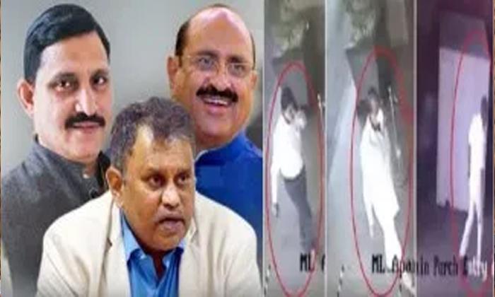ఏపీలో ఏం జరుగుతుందో బీజేపీ పెద్దలకు అర్థం అవుతోందా -Breaking/Featured News Slide-Telugu Tollywood Photo Image