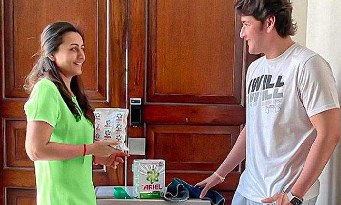 మహేష్, చైతూ సతీసమేతంగా దానికోసం ప్రచారం-Movie-Telugu Tollywood Photo Image