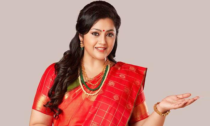 రోజా స్టార్ హీరోయిన్ కావడానికి ఆమె కారణమట…. ఇంతకీ ఎవరామే…-Latest News-Telugu Tollywood Photo Image