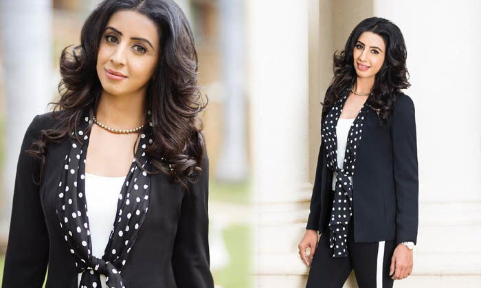 Beauty Sanjjanaa Galrani Glamorous Photoshoot-beauty Sanjjanaa Galrani Glamorous Photoshoot - Telugu Actress Sanjjanaa Galrani, Actress Sanjjanaa Galrani Spicy Images, Beauty Sanjjanaa Galrani Glamo High Resolution Photo