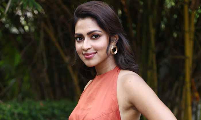 బాలయ్య సినిమాలో ఆమె.. ఏమౌతుందో-Breaking/Featured News Slide-Telugu Tollywood Photo Image