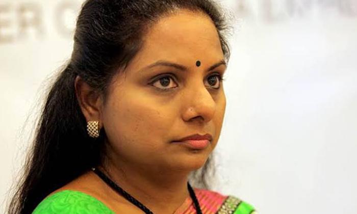 కమలం వర్సెస్ కవిత రీ ఎంట్రీ ప్లాన్ అదిరిందిగా -Political-Telugu Tollywood Photo Image