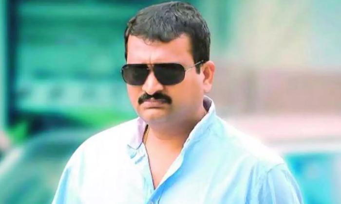 బండ్ల చిన్న మాటతో పెద్ద వివాదం సమసి పోయింది-Movie-Telugu Tollywood Photo Image