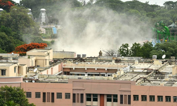 Telugu Congress Mlc Jivan Reddy, Kcr, Kcr And Ktr Farm House, Ktr, Revanth Reddy, Telangana, Telangana Congress, Telangana Secretariat Demolition-
