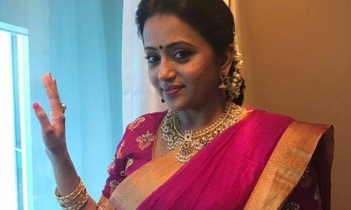 యాంకర్ సుమ బయోపిక్ తీస్తా అంటున్న కంచెరపాలెం దర్శకుడు…-Latest News-Telugu Tollywood Photo Image