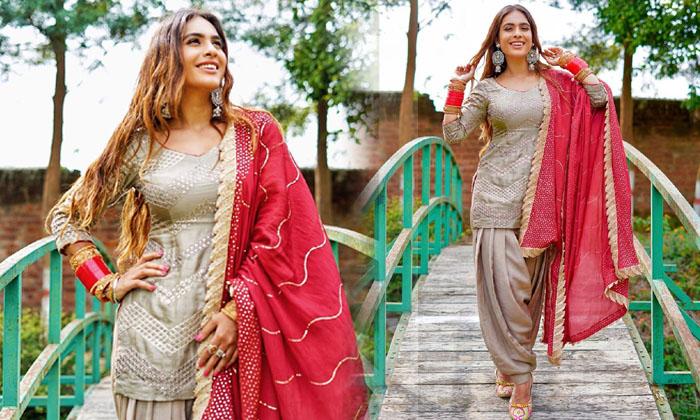 Glamorous Actress Neha Malik Trendy Images-telugu Actress Hot Photos Glamorous Actress Neha Malik Trendy Images - Telugu High Resolution Photo