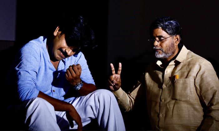పవన్ కాళ్ల వద్ద బాబు.. ఏంటి వర్మ ఈ కథ-Movie-Telugu Tollywood Photo Image