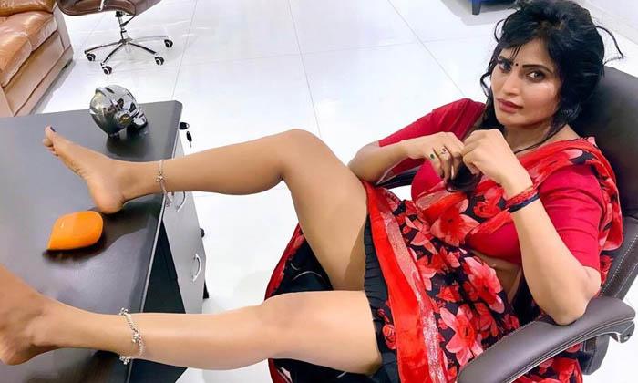 రామ్ గోపాల్ వర్మ కి శ్రీ రెడ్డి అంటే అస్సలు నచ్చదట.. ఎందుకో…-Latest News-Telugu Tollywood Photo Image