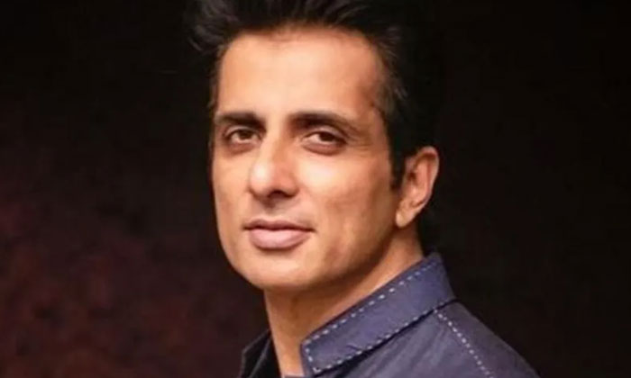 Sonu Sood Adopted Two Children And Offered 3 Lakh Jobs To Migrant Workers-Latest News English-Telugu Tollywood Photo Image