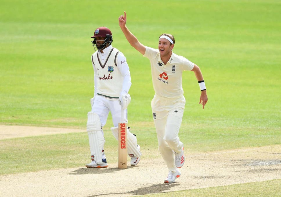 TeluguStop.com - Stuart Broad Stands After Courtney Walsh With 500 Wickets-Latest News English-Telugu Tollywood Photo Image