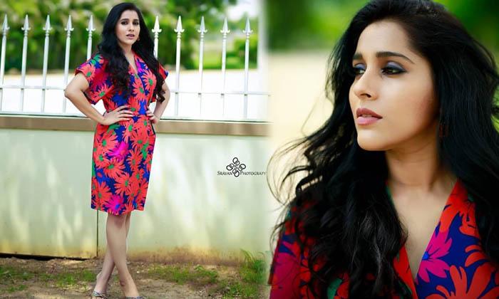 Telugu Anchor Rashmi Gautam Captivating Clicks-telugu Actress Hot Photos Telugu Anchor Rashmi Gautam Captivating Clicks High Resolution Photo