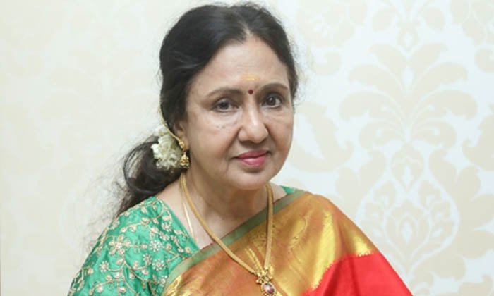 ఒకప్పటి ఈ హీరోయిన్ అందుకే పెళ్ళి చేసుకోలేదట…-Latest News-Telugu Tollywood Photo Image