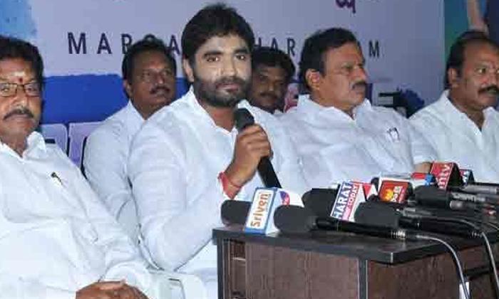 ఎంపీ గన్ మెన్,ఫోటోగ్రాఫర్ కి కరోనా-Breaking/Featured News Slide-Telugu Tollywood Photo Image