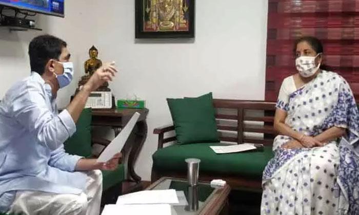 కేంద్రం నోరెత్తకుండా జగన్ చేస్తున్న తెలివైన పని ఇదే -Political-Telugu Tollywood Photo Image