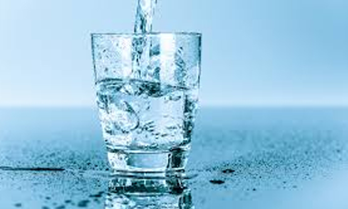 Telugu Drinking Water, Hydrate, Tips To Drink Water, Why You Should Not Drink Water Standing??-Telugu Health - తెలుగు హెల్త్ టిప్స్ ,చిట్కాలు