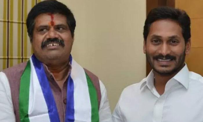 వేటు పడబోయే మంత్రులు వీరిద్దరే నా -Latest News-Telugu Tollywood Photo Image