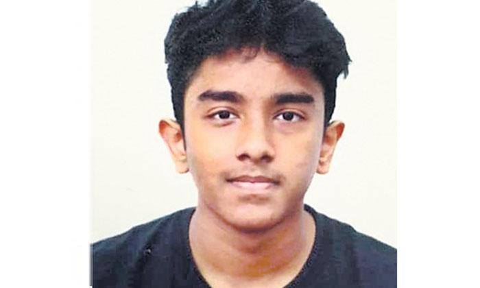 TeluguStop.com - తెలుగు కుర్రాడి సేవలకి సలామ్ కొడుతున్న సింగపూర్ ప్రజలు..-Telugu NRI-Telugu Tollywood Photo Image
