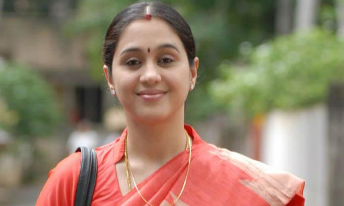 ఒకప్పటి హీరోయిన్ మీకు ఇంకా గుర్తుందా..-Latest News - Telugu-Telugu Tollywood Photo Image