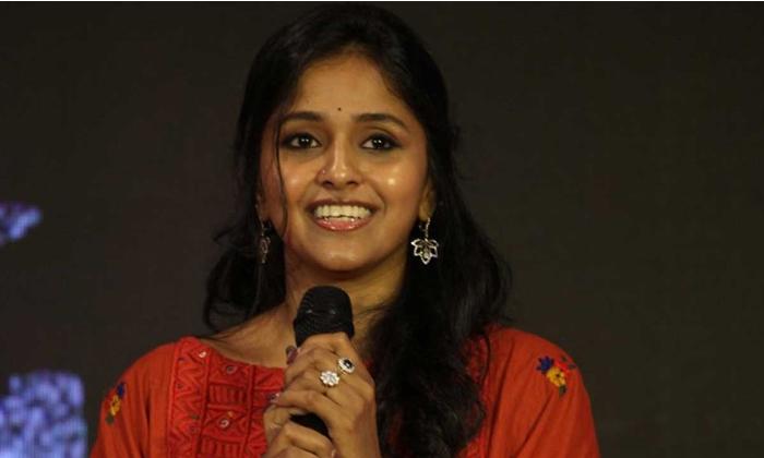 కోలుకుంటున్నా, ప్లాస్మా దానంకు నేను రెడీ అంటోంది-Movie-Telugu Tollywood Photo Image