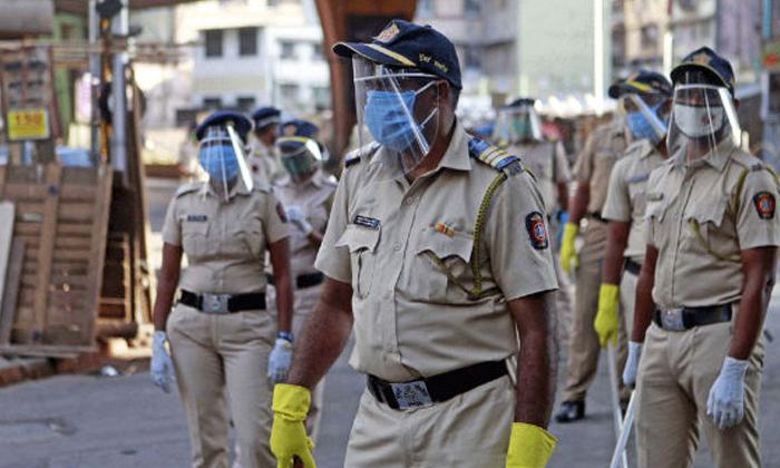 మహారాష్ట్రలో 9,566 మంది పోలీసులకు కరోనా..-Breaking/Featured News Slide-Telugu Tollywood Photo Image