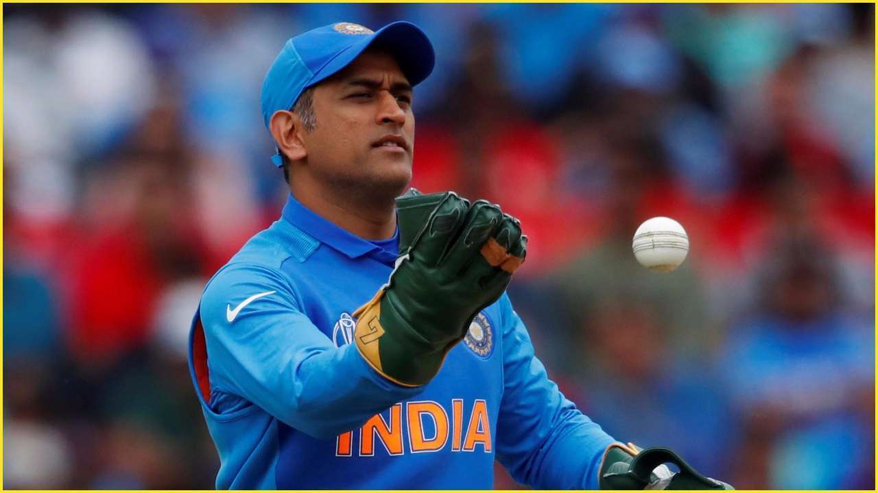 TeluguStop.com - Ms Dhoni Is The Best Keeper : Adam Gilchrist