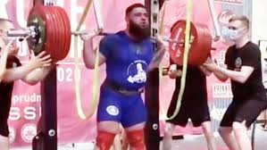 Weightlifter who lost weight by lifting 400 kg
