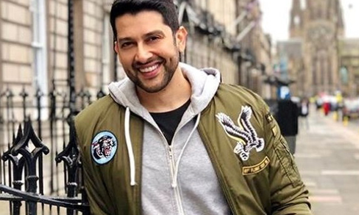 TeluguStop.com - Another Bollywood Actor Tests Positive For COVID19-Latest News English-Telugu Tollywood Photo Image