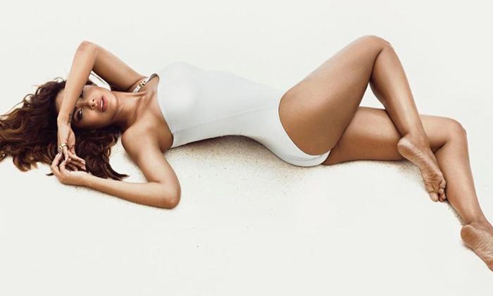 Hot Beauty Esha Gupta Glamorous Images-telugu Actress Hot Photos Hot Beauty Esha Gupta Glamorous Images - Telugu Cliks High Resolution Photo